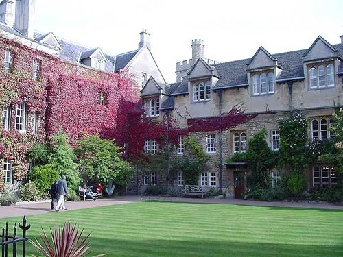Oxford college buildings