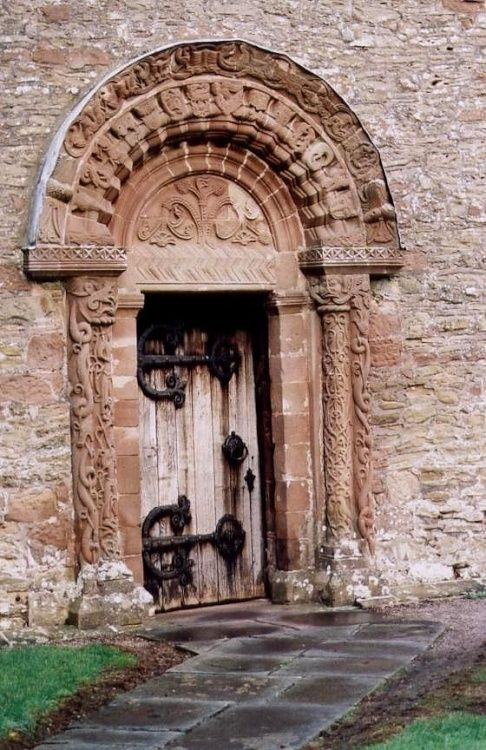 the norman carved arch at kilpeck church herefordshire