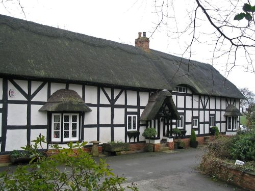 Hanbury, Staffordshire: The Thatches