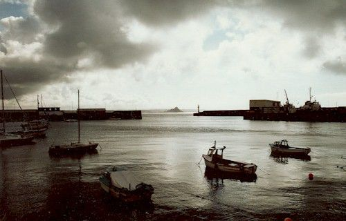 Penzance Harbour (St. Michael's Mount in the background): Penzance, Cornwall