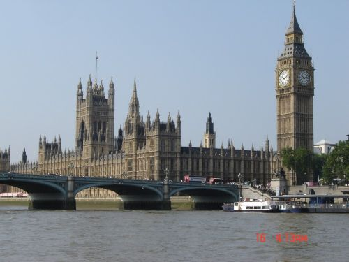 Picture of Parliment and Big Ben, taken during bus tour of London