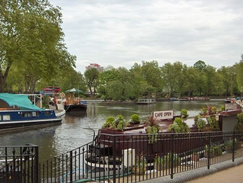 Walking along the Canal from Camden Town to Lisson Grove. Picture taken in Mid May, 2005