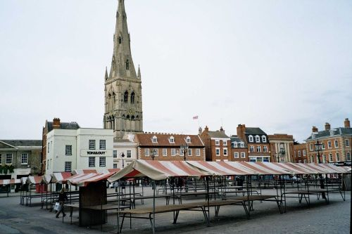 Market Place and St Mary Magdalen Church in Newark-on-Trent - June 2005