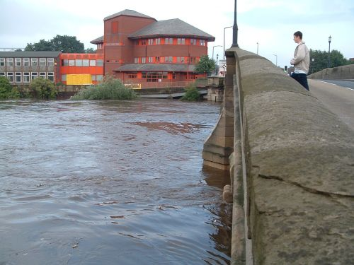 CAstleford, West Yorkshire. The River Aire In Flood Sept 2004