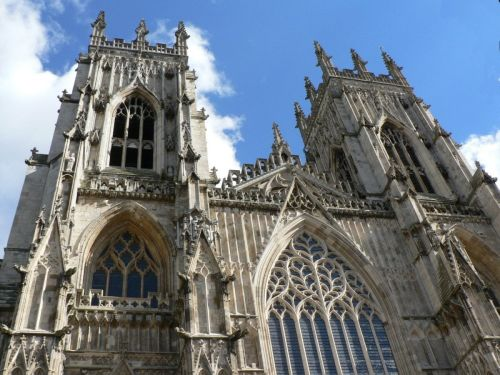 The awsome West towers of York Minster