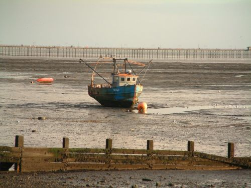 Low tide at Southend-on-Sea, Essex. Boxing Day '05