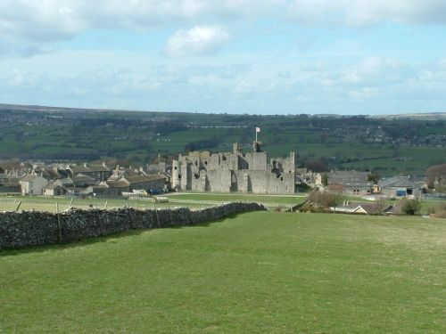 Middleham Castle in all it's splendour april 06