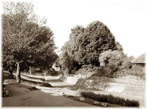 Middle Village High Street, East Hendred. This view has not changed in 100 years