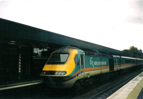 A M.M.L. train at Derby station in 2003.