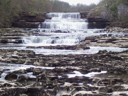 Aysgarth Lower Falls, Easter weekend 2007. Yorkshire Dales