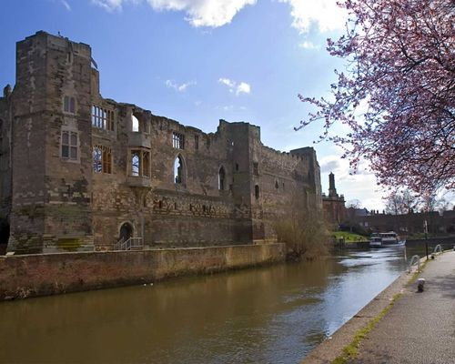 The ruins of Newark Castle on the banks of the River Trent. Newark on Trent, Nottinghamshire.