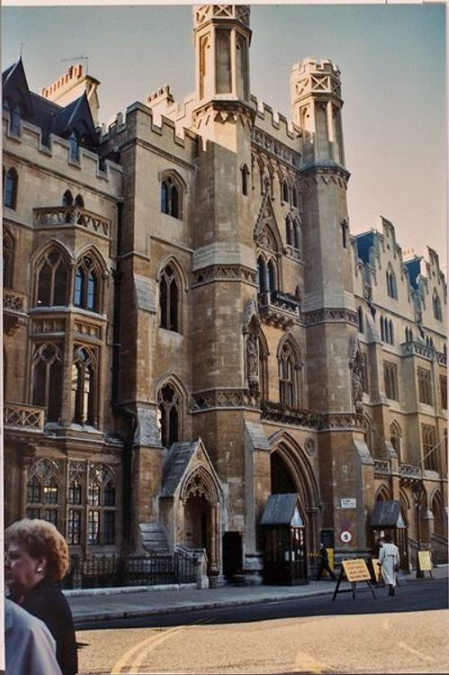 Houses of Parliament  1990