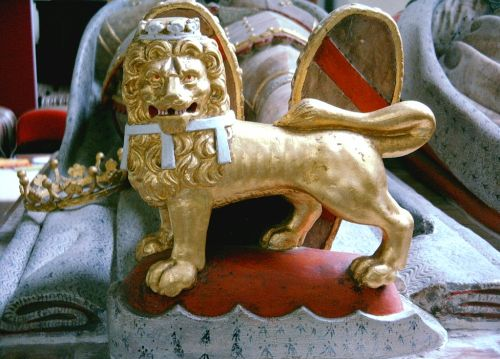 Howard/Norfolk lion, St Michael's Church, Framlingham, Suffolk
