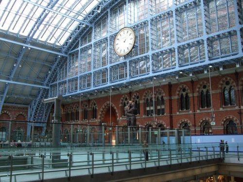 Station clock and statue, St Pancras, Greater London