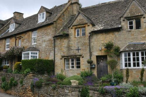Cotswold Stone houses, Bourton-on-the-Hill