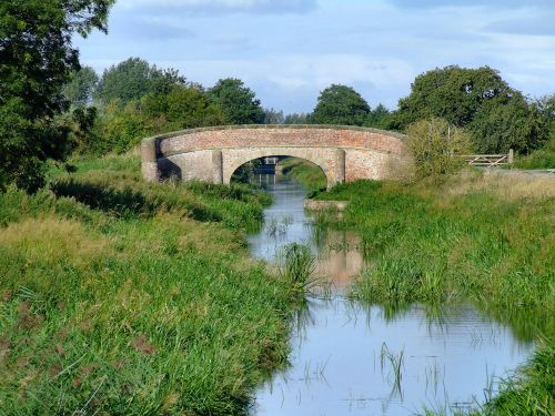 A view along the Pocklington Canal at Melbourne.