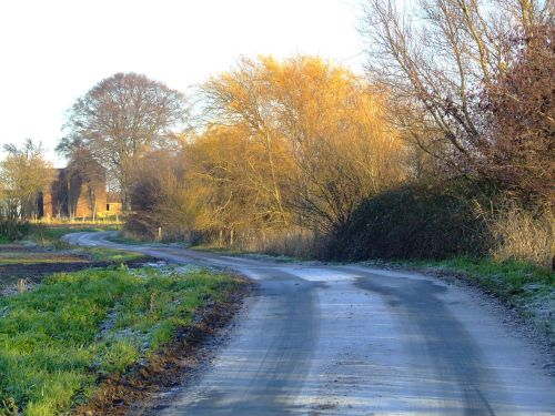 Slippery lane at Faxfleet