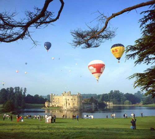 Balloon rally at Leeds Castle, Kent