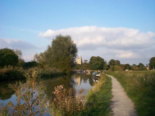 1999 view along the canal towards Hungerford