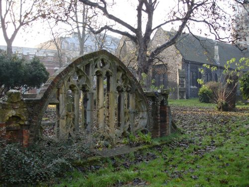 St Laurence's Churchyard