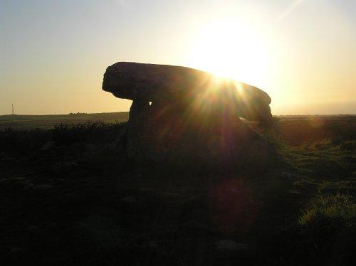 Clun Quoit near Zennor at sunset