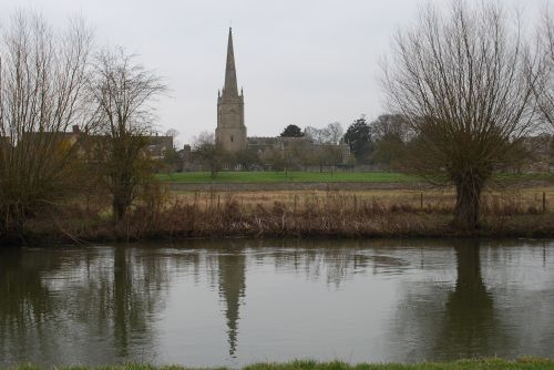 River Thames and St Lawrence's Church