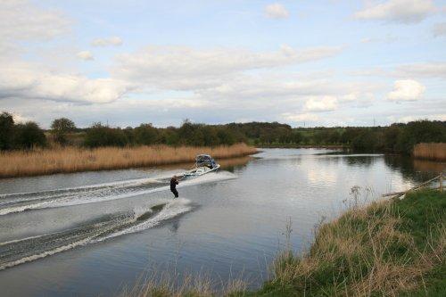 Water Skiing, River Weaver, Frodsham Bridge