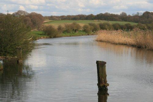 River Weaver near Frodsham Bridge