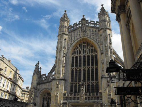 Blue sky over Bath Abbey