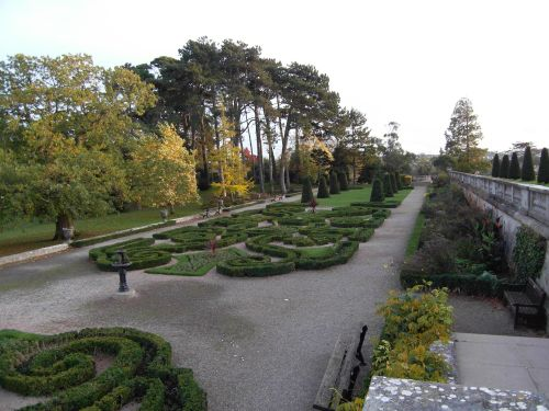Oldway Mansion and parterre.