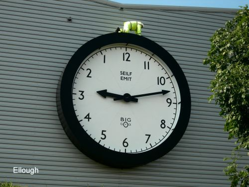 Right to left clock