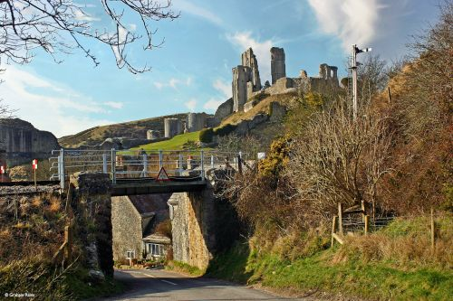 Corfe Castle over the tracks