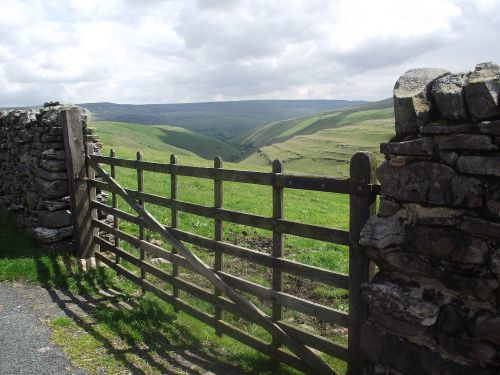 On Route from Stainforth to Halton Gill