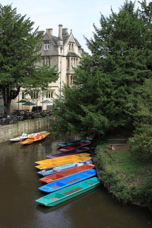 Punts and Pedalos at Magdalen Bridge, Oxford