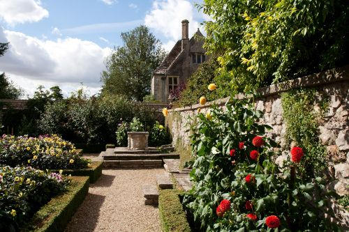 Avebury Manor and Gardens