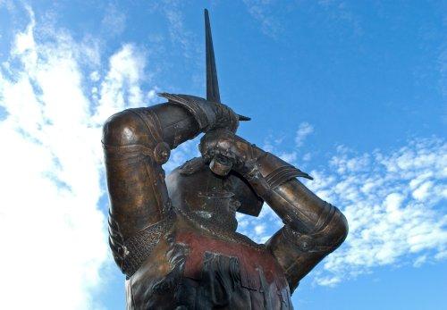 Harry Hotspur Bronze Statue In Alnwick