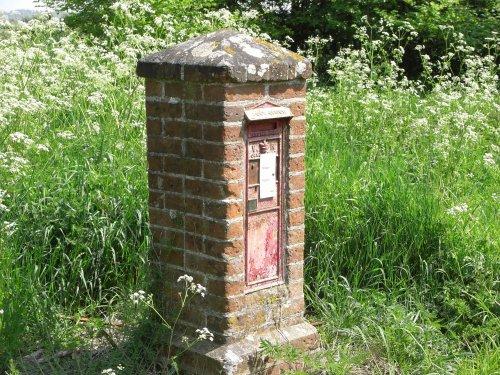 VR Postbox near Clippesby