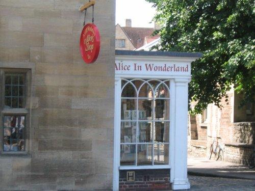 Oxford - Alice in Wonderland Shop - June 2003