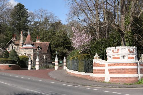 Gatehouse of Friar Park, Henley-on-Thames