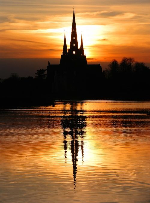 Lichfield Cathedral from Stowepool (hi res)