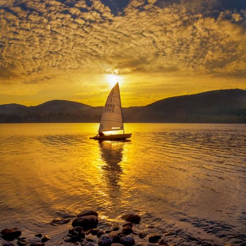 Sailing on lake Ullswater