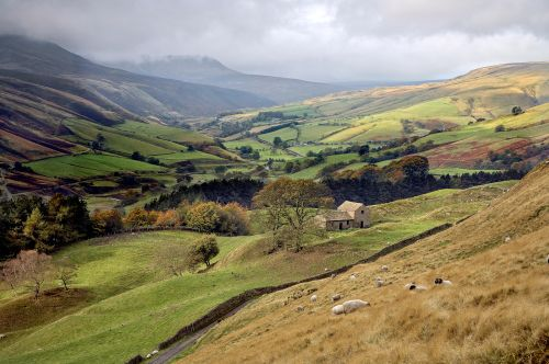 Snake Pass towards Kinder Scout
