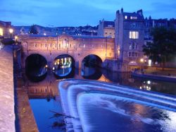 A beautiful shot of Pulteney Bridge in Bath at Twilight