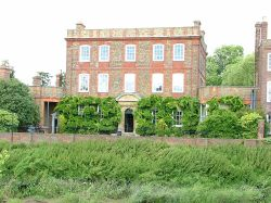 Peckover House - A town house built in 1722