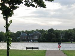 Kensington Gardens - Kensington Palace and rectangular pond