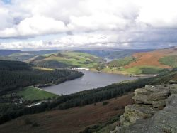 Stanage Edge, Derbyshire: view of Ladybower Reservoir
