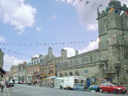 High Street & St James' Church, Shaftesbury, Dorset