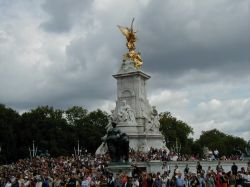 Queen Victoria Memorial - Crowd at Changing of The Guard, London