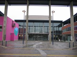 Milton Keynes theatre and art gallery(left), theatre district, Milton Keynes