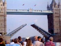 Tower Bridge opening, London Wallpaper